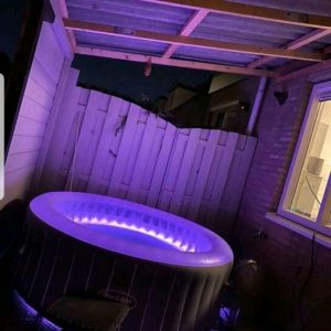 Lay-Z-Spa Jacuzzi ''Bali Airjet - opblaasbare hottub - bubbelbad - paars led verlichting - www.ZitBadXL.nl